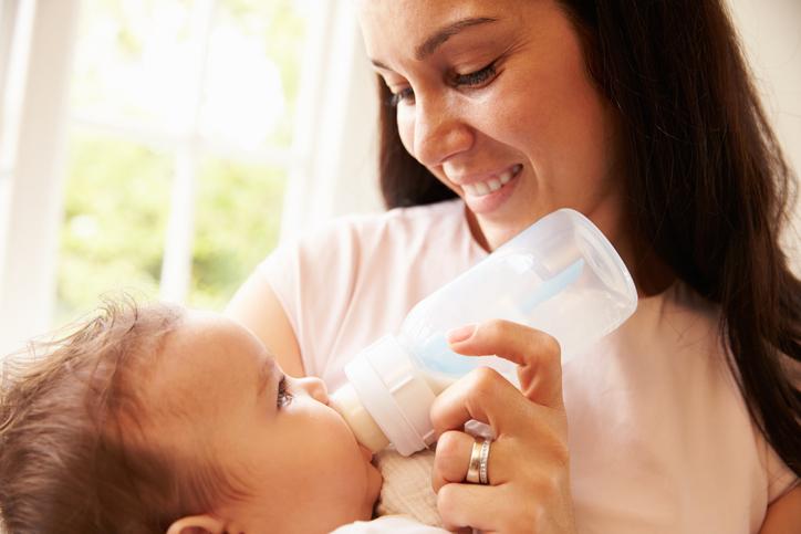 14 Essential Formula Feeding Tips